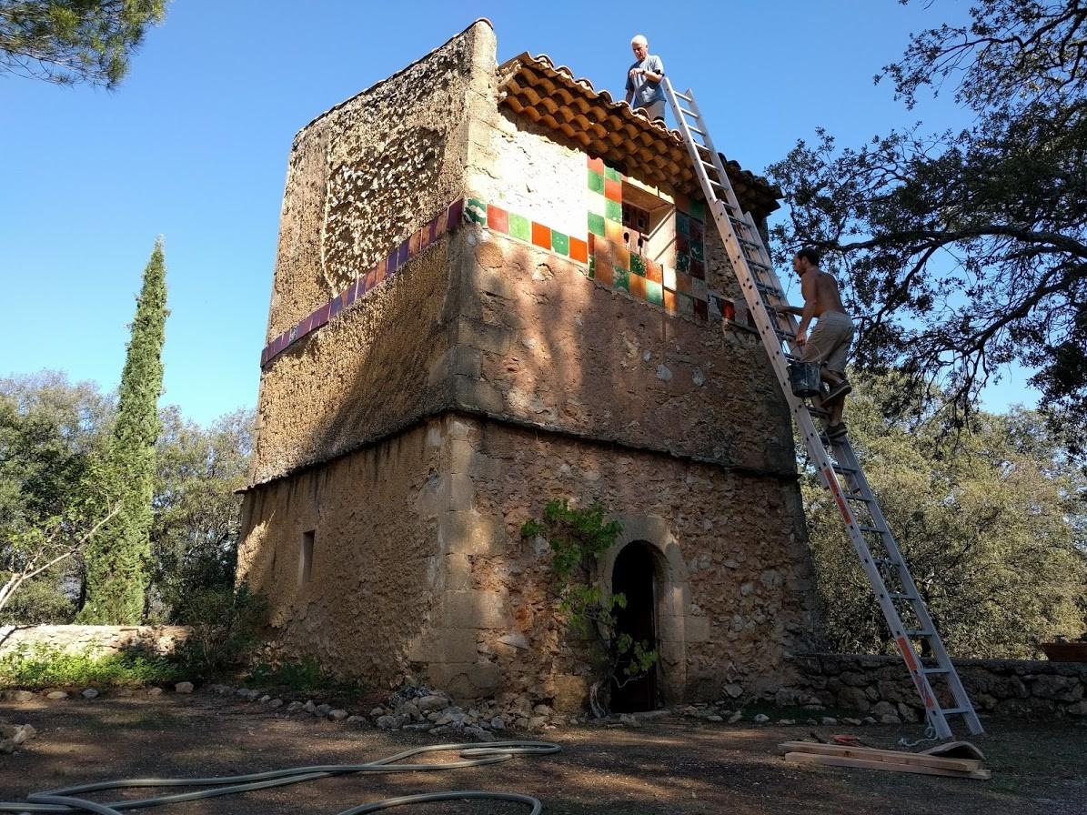 Restauration du toit du pigeonnier
