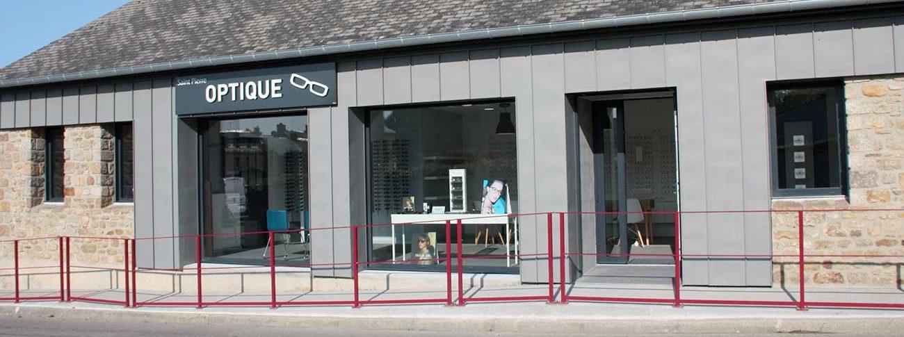 Facade du magasin Saint Pierre Optique