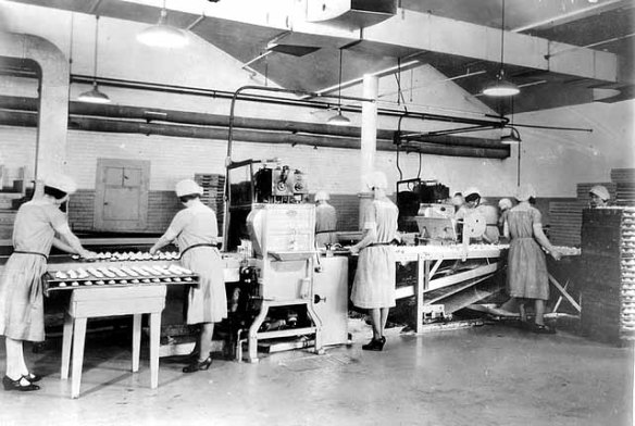 Cookie making at Griggs, Cooper & Company in 1930. Courtesy Minnesota Historical Society
