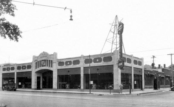 Grand Avenue Studebaker. 1927 or '28. Courtesy Minnesota Historical Society