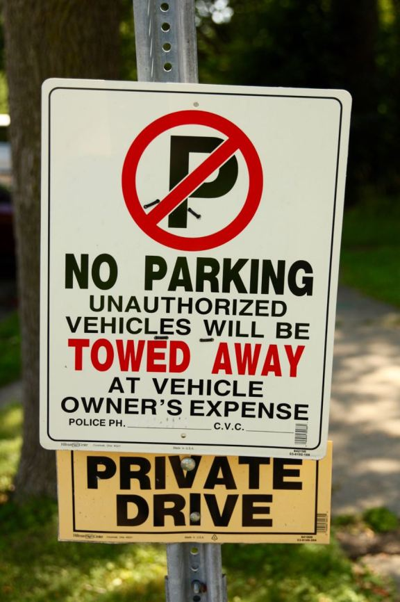 Como Place has been privatized according to these signs.
