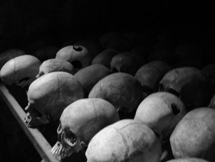Cranios furados co martelada