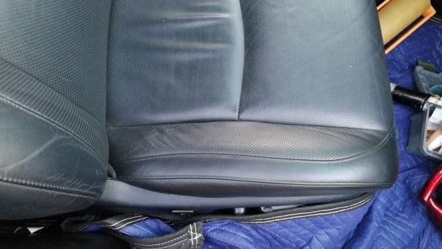 30ハリアー ダッシュボード割れ 運転席シート・肘掛擦れシワ補修後