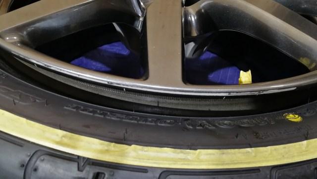 R35 GT-R 後期 ハイパーチタンカラー 純正20インチ ホイール ガリ傷修理 名古屋市 施工前