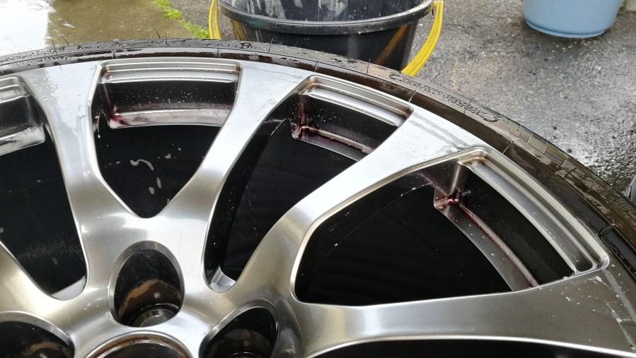 レクサス RC-F ハイパーブラックホイール修理 鉄粉落とし