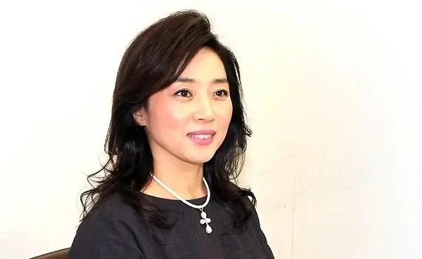 素敵な笑顔の藤吉久美子