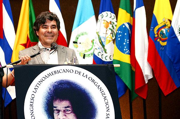 Z2A Mexico LATAM Congress Zone 2B Chair Dalton Amorim addresses the congress