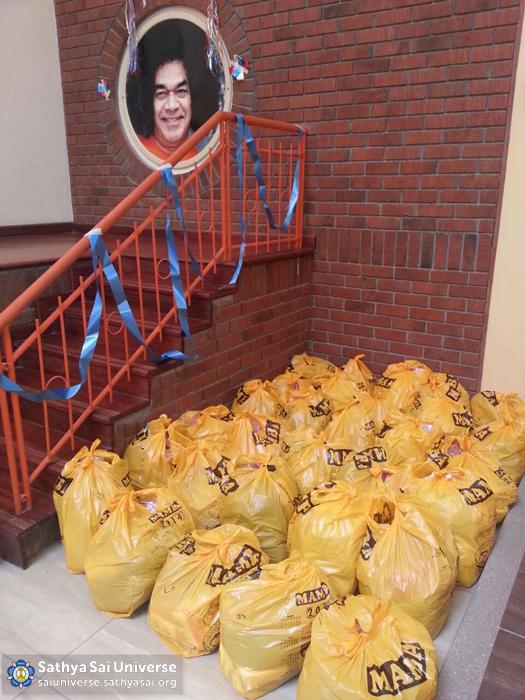 Kenya - Supplies for the needy