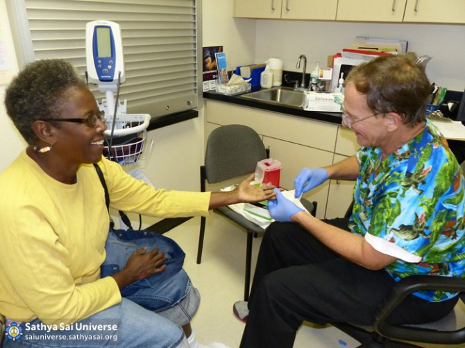 Z1 USA Florida Podiatry Patient being checked