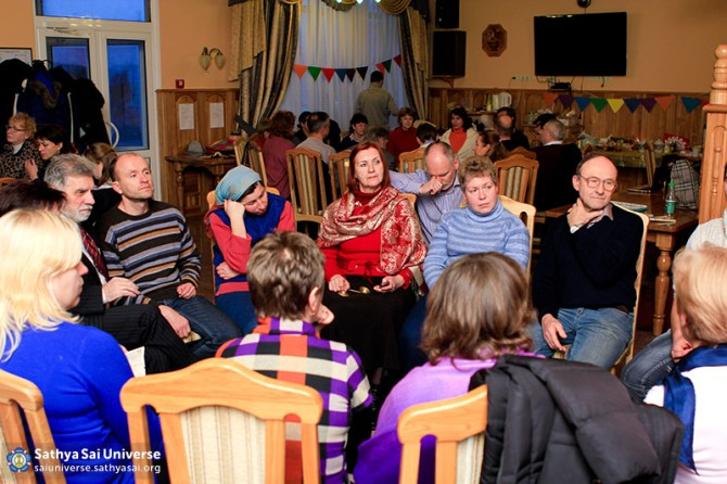 2015.01.23-25-8Z-Ukraine-Kiev - national conference-Round table on the wing devotion