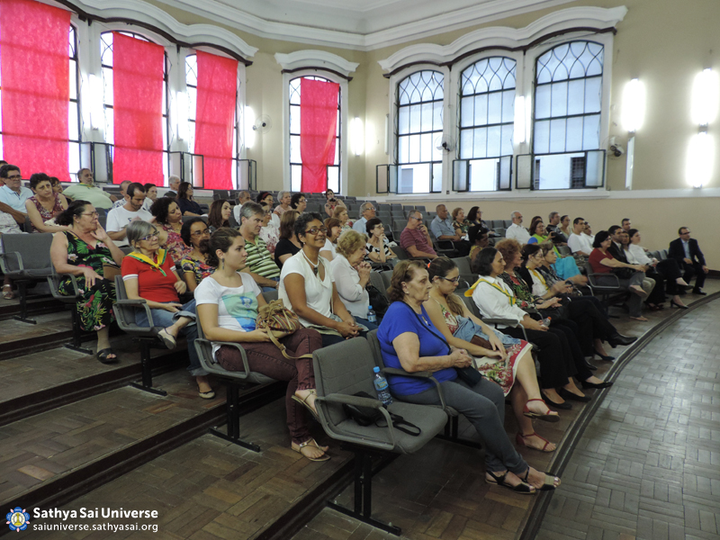 Z2B-Brazil-2015-08-01-The audience JPG copy