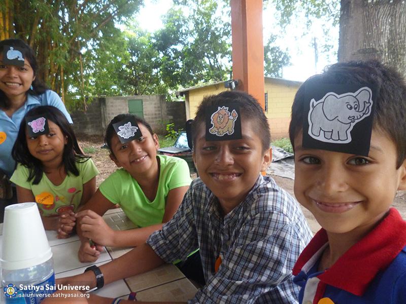 Z2A El Salvador serving children 2015-11-01 11.27.34