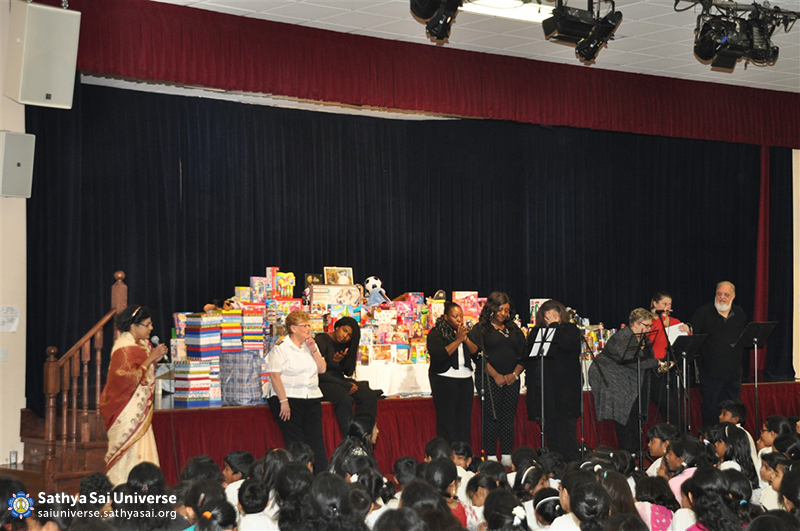 Z1 Canada Toy Drive Singing and Programme