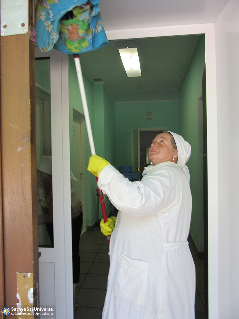 2016-06-11-z8-russia-siberian-region-labor-camp-camp-kemerovo-house-baby-cleaning