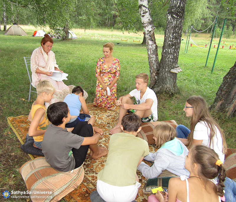 photo-13-2016-08-06-z8-russia-ural-family-camp-lesson-in-the-older-group