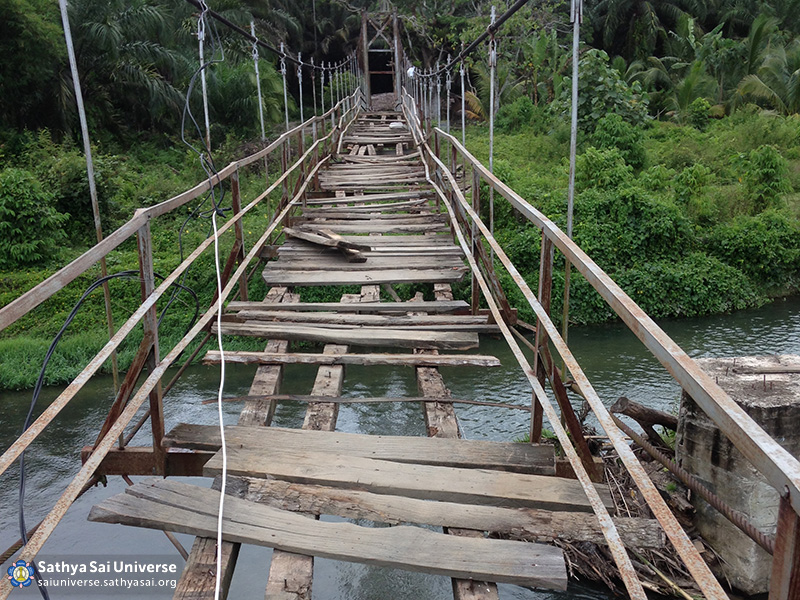 001-ssgi-medan-oct-2016-the-broken-bridge-before-the-renovation-project-copy