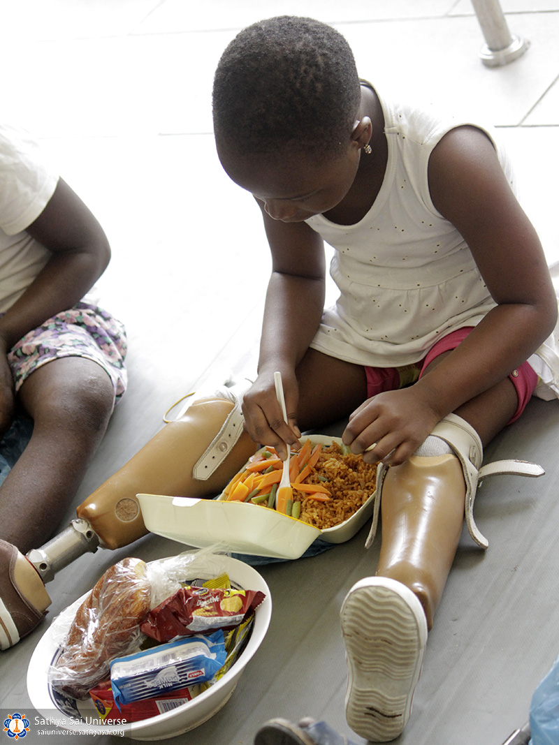 helping-disabeled-children-ghana-2017-17-copy