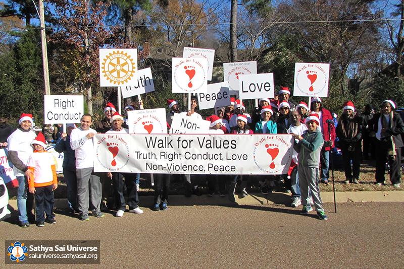 img_4248a-002-z1-r4-christmas-walk-for-values-memphis-2016