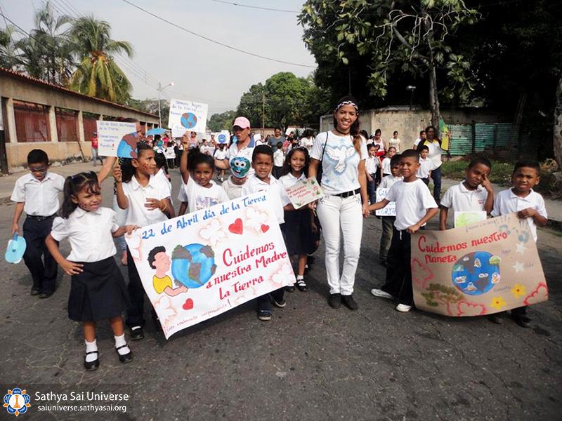 zone-2-b-venezuela-mariara-carabobo-state-4-24-2017-walk-for-human-values-eu-dr-raul-leoni-and-mariara-national-school-4