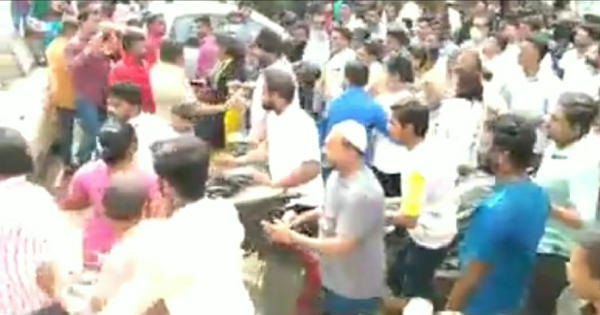 Sangali flood news -vadvivad-bjp-corporator-geeta-sutar-and-maratha-seva-sangh