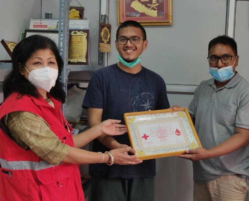 १८औं वर्षको जन्माेत्सवसंगै रक्तदानकाे शुभारम्भ गराैं -स्वयंसेवी शतक रक्तदाता प्रेमसागर कर्माचार्य