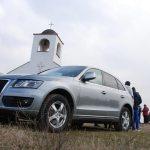 Кметът Михаил Лисков бе дошъл на Трифона с луксозния си джип