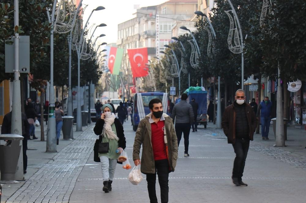 Sakarya'da 2021'e evlerinde giren vatandaşlar: