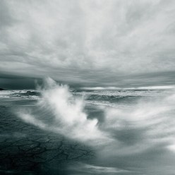 море,черно-белая
