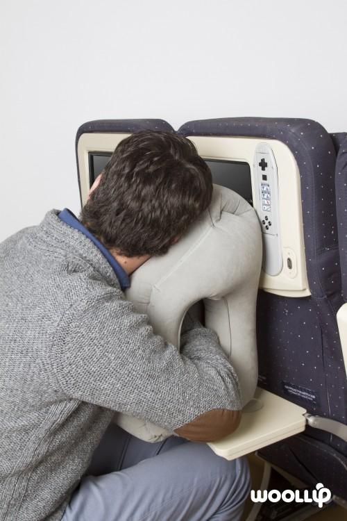 Woollip Travel Pillow_Position 2