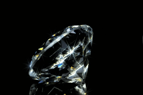 diamond-precious-stone-size-facets-crystal