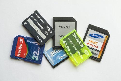 memory-cards-1426567_1280