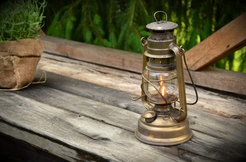 kerosene-lamp-1453994_960_720