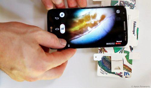 holding-foldscope-1