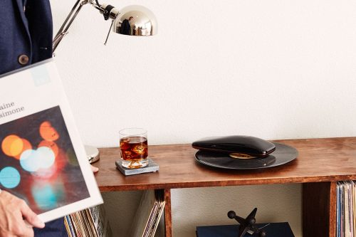 LOVE_Turntable_revolutionary_smartphone_controlled_turntable_crowdfunding_Agency2.0_gallary_c-compressor
