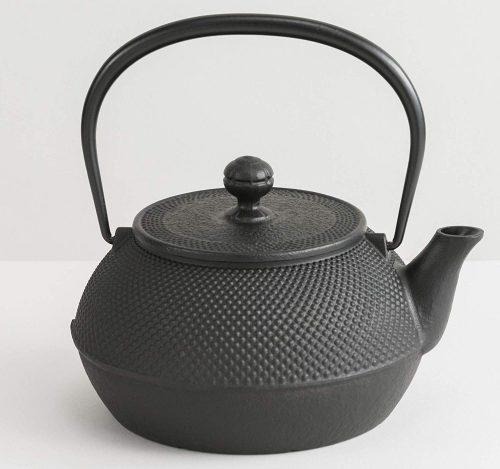 岩鋳(Iwachu) 鉄瓶 7型アラレ(IH対応) 黒焼付 0.9L 南部鉄器 11960