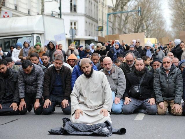 ফ্রান্সে দ্রুত বাড়ছে মুসলমান ও মসজিদের সংখ্যা