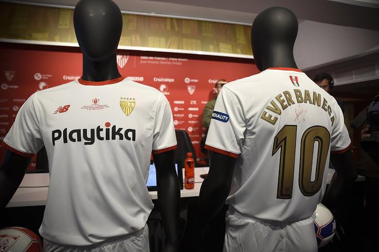 New Balance udruster Sevilla, med Copa del Rey finale trøje 2