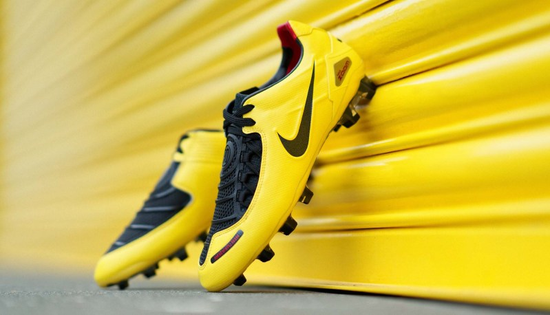 """Nike reintroducerer Nike T90 Laser """"Zest/Black"""" 1"""