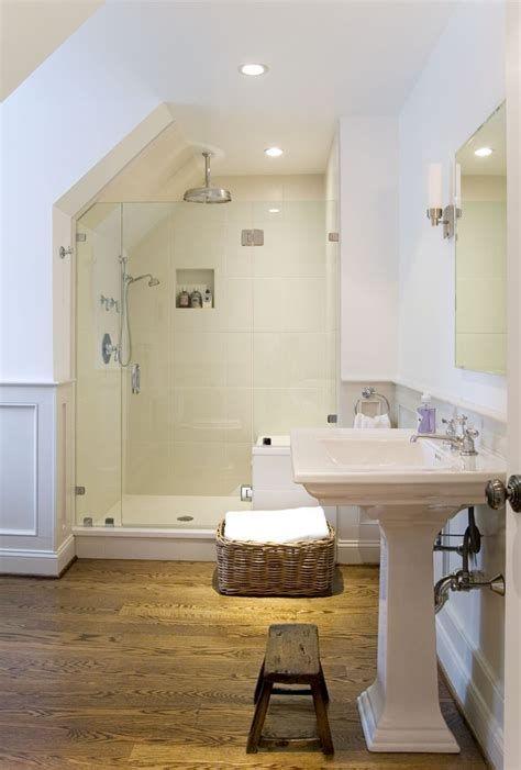 kamar mandi bawah tangga