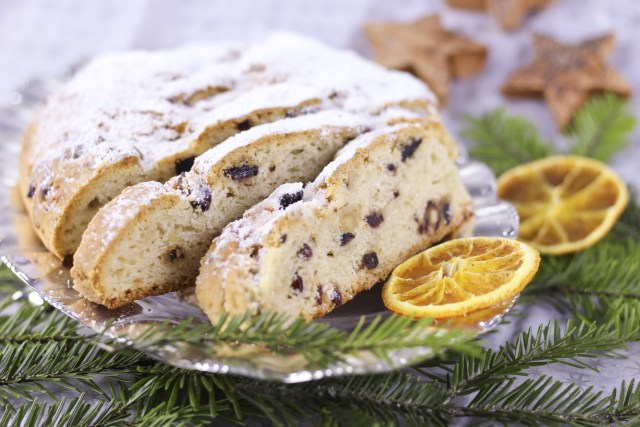 Christmas Stollen Christmas Sweets  - kakuko / Pixabay