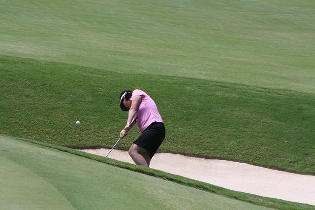 Golf Bunker Woman Sand Golf Ball  - 22563 / Pixabay