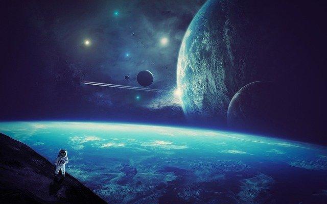 Astronaut Earth Moon Galaxy Space  - AlemCoksa / Pixabay