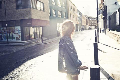 131121sistar-hyorin-soloalbum-loveandhate03