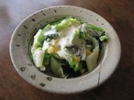 石垣島のカフェ&カレー「トラベラーズカフェ「朔」の小松菜、キャベツ、コーンのサラダ