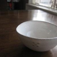 石垣島のカフェ&カレー「トラベラーズカフェ朔」の木の葉窯の小鉢
