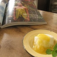 石垣島のランチなら「トラベラーズカフェ朔」の杏仁ゼリー パインソース