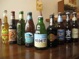 石垣島のカフェ&カレー「トラベラーズカフェ朔」の世界のビール