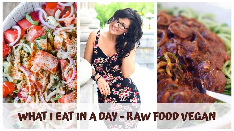 WHAT I EAT IN A DAY || CREAMY GREEK SALAD RECIPE || RAW VEGAN SPAGHETTI