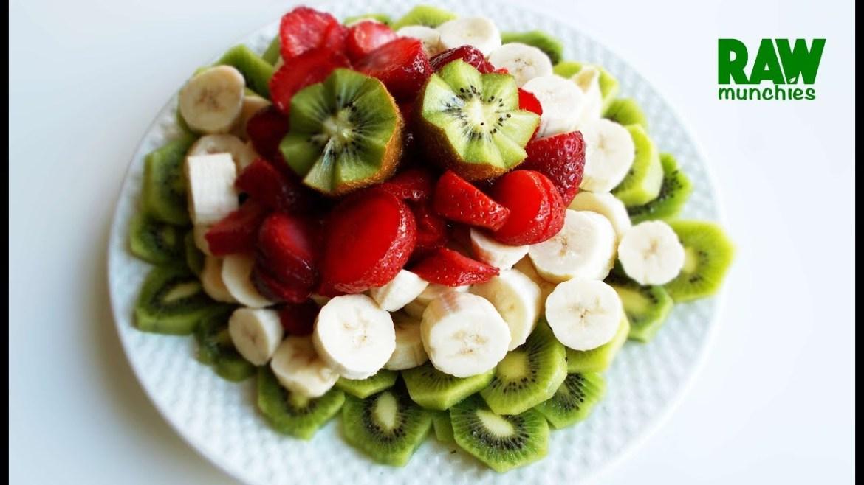 From 50 Salads: Raw Vegan Bring It On Banana Kiwi Salad | Rawmunchies.org | Raw Vegan Recipes