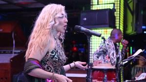 Orquesta-sanremo-angelitosnegros-en-vivo-sala-de-fiestas-barcelona-eixample